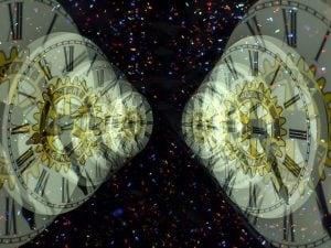 Viaggiare nel tempo con un computer quantistico: l'esperimento russo sui qubit